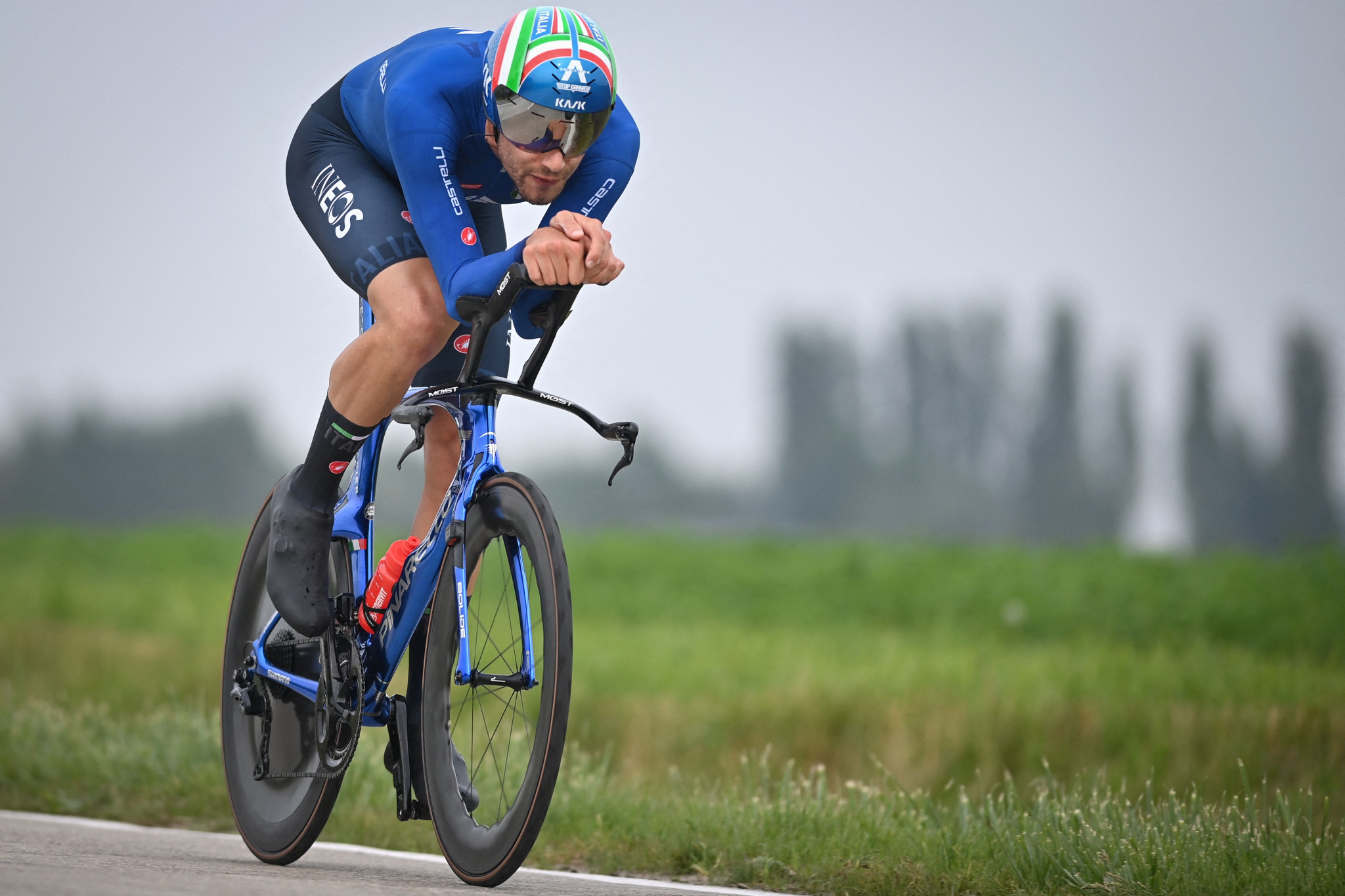 Ganna edges Van Aert to defend time trial title at UCI Road World Championships