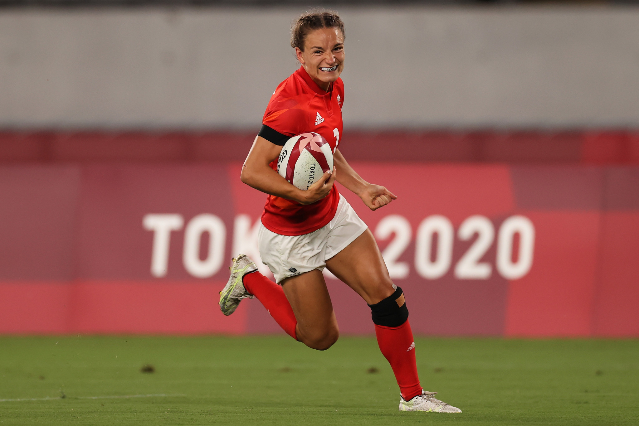 Jasmine Joyce notched a hat-trick of tries to help Britain beat the United States 34-12 in the final of the women's Fast Four competition ©Getty Images
