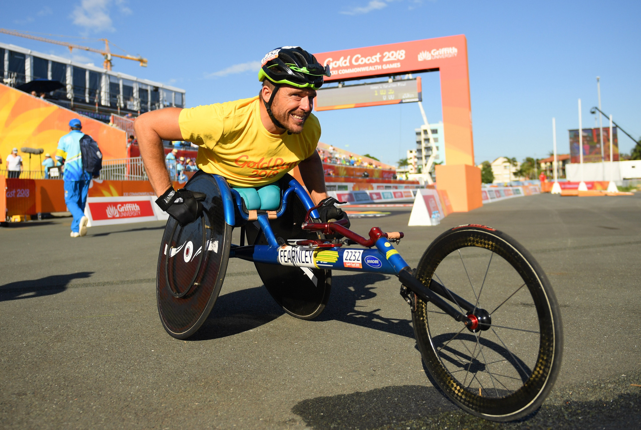 Kurt Fearnley mentor the scholarship recipients ©Getty Images