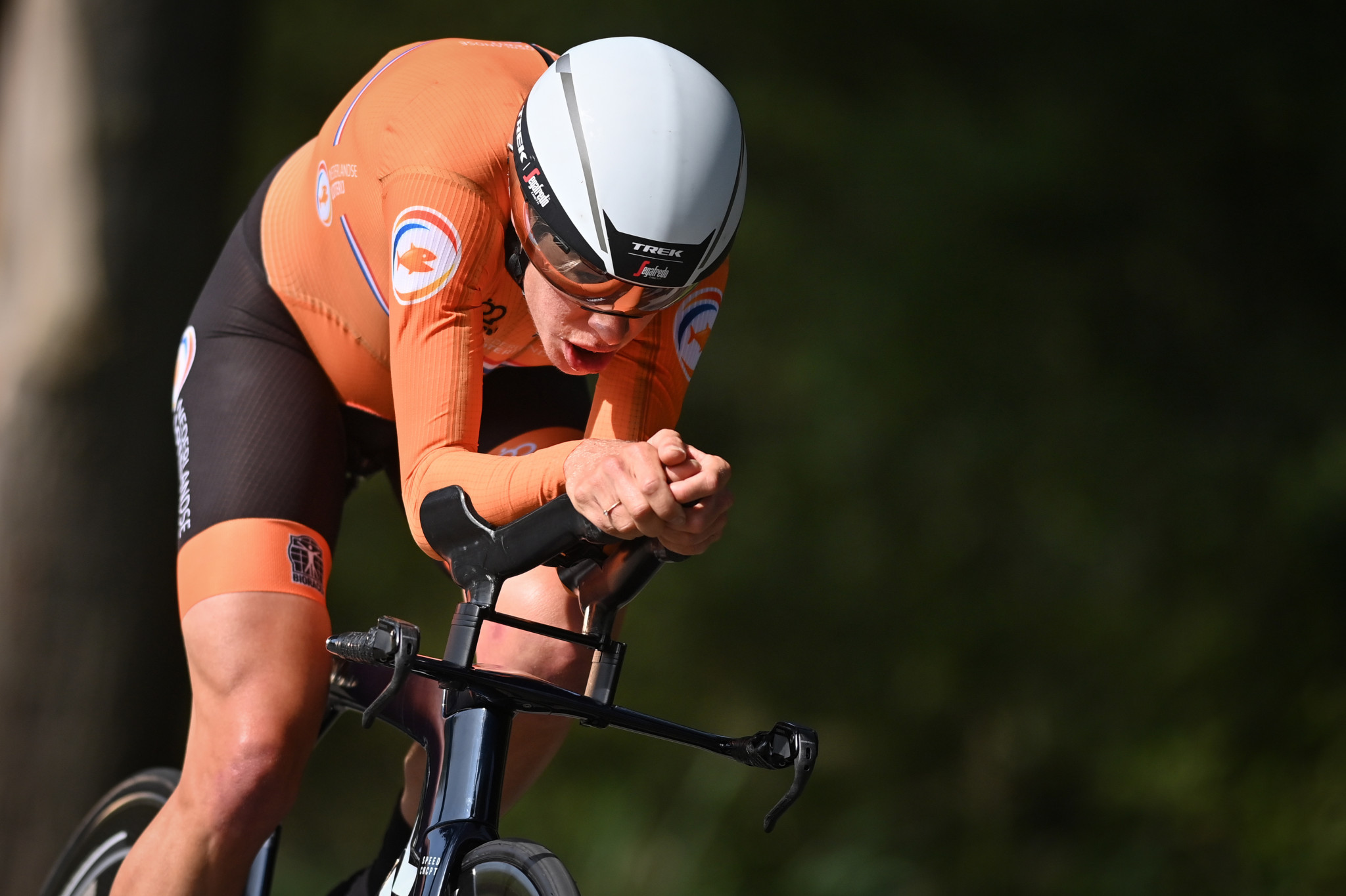 Van Dijk earns second time trial title at UCI Road World Championships in Flanders