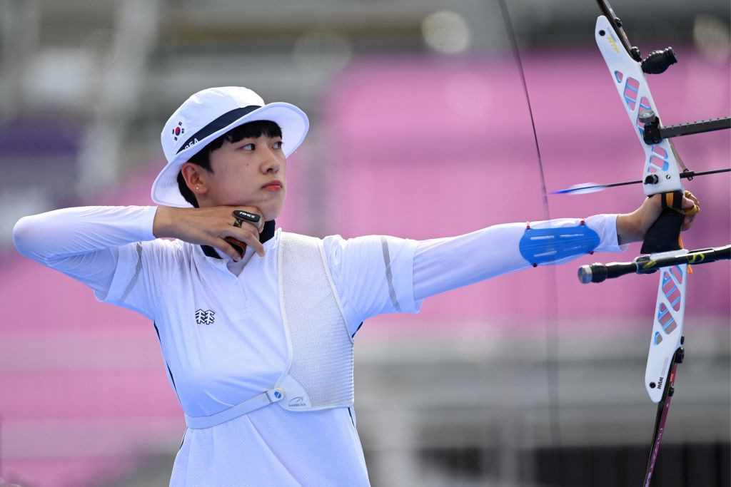 Olympic gold medallists top recurve qualifying at World Archery Championships