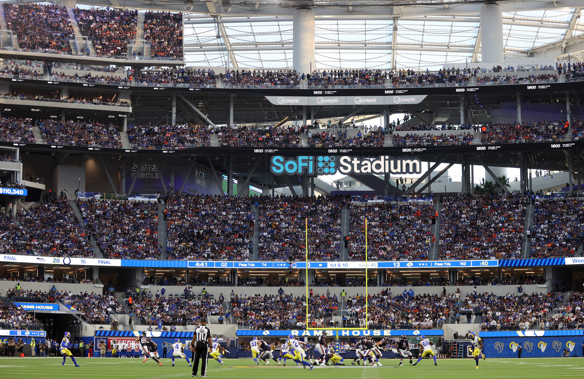For the first time in the stadium's history, the Los Angeles Rams played in front of a raucous and full SoFi Stadium in their 2021 season opener against the Chicago Bears ©Getty Images