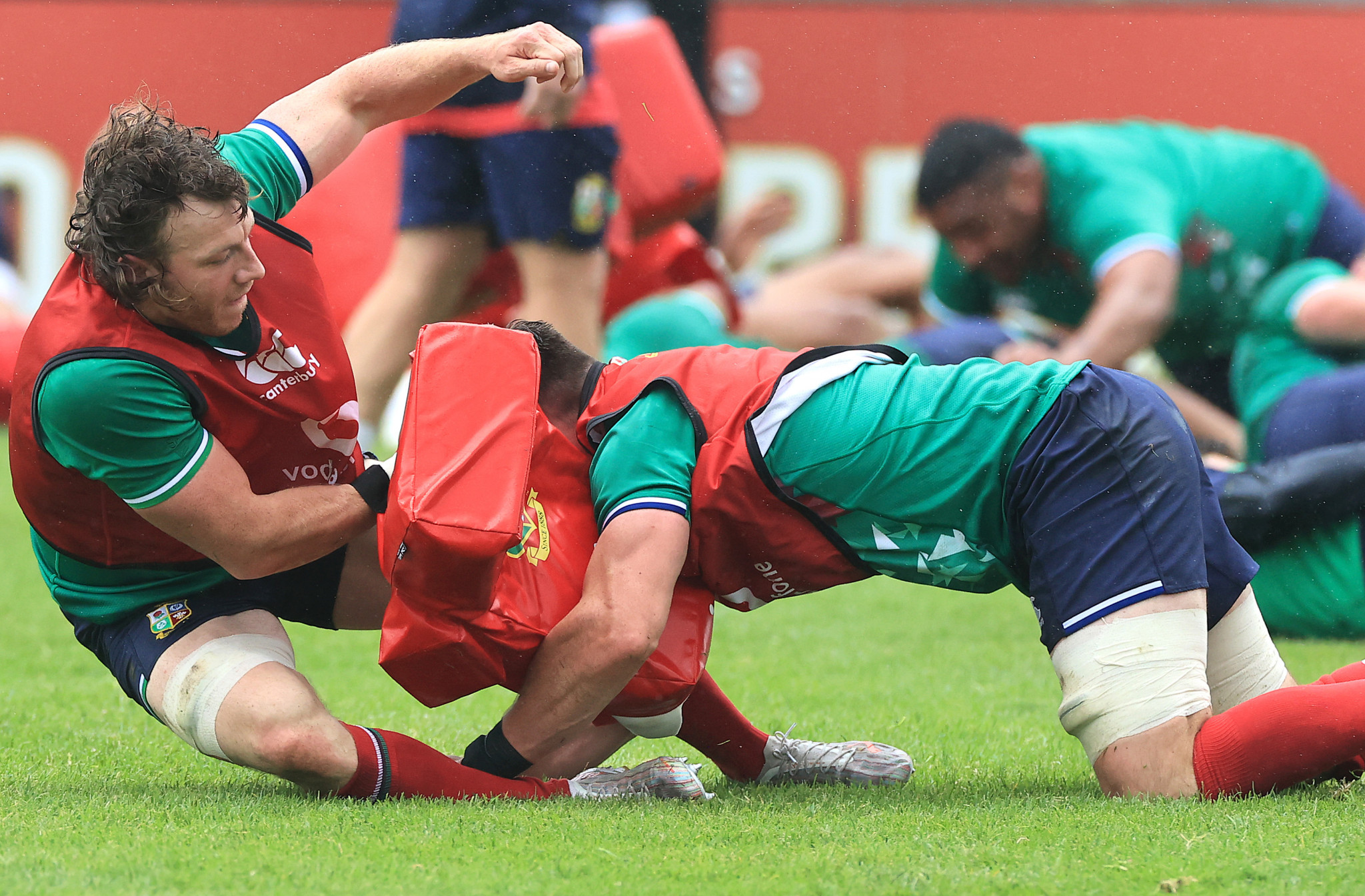 Full-contact training should not exceed 15 minutes per week, World Rugby guidelines say