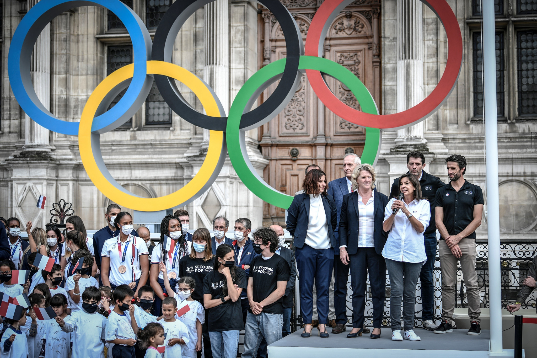Paris 2024 establishes volunteer charter and outlines Torch Relay plans