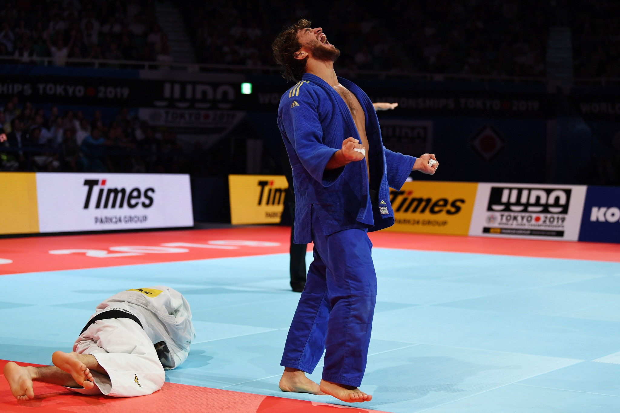 Heydarov upsets top seed Sterpu to clinch Zagreb Grand Prix title
