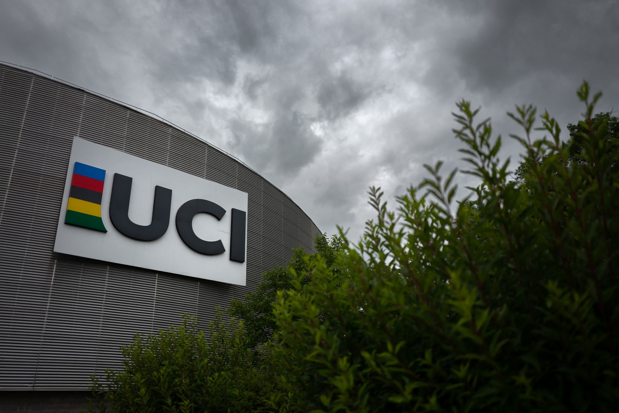 UCI and University of Lausanne sign cooperation agreement to boost education and research