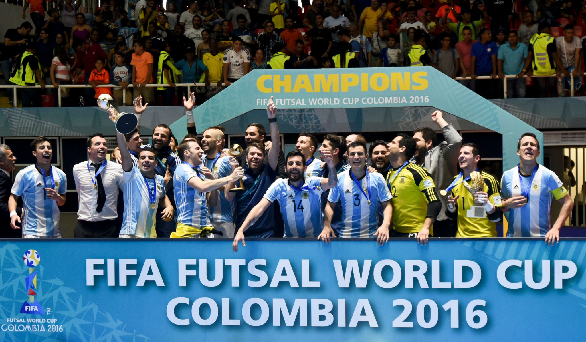 Defending champions Argentina edge through to FIFA Futsal World Cup semi-finals after shootout triumph