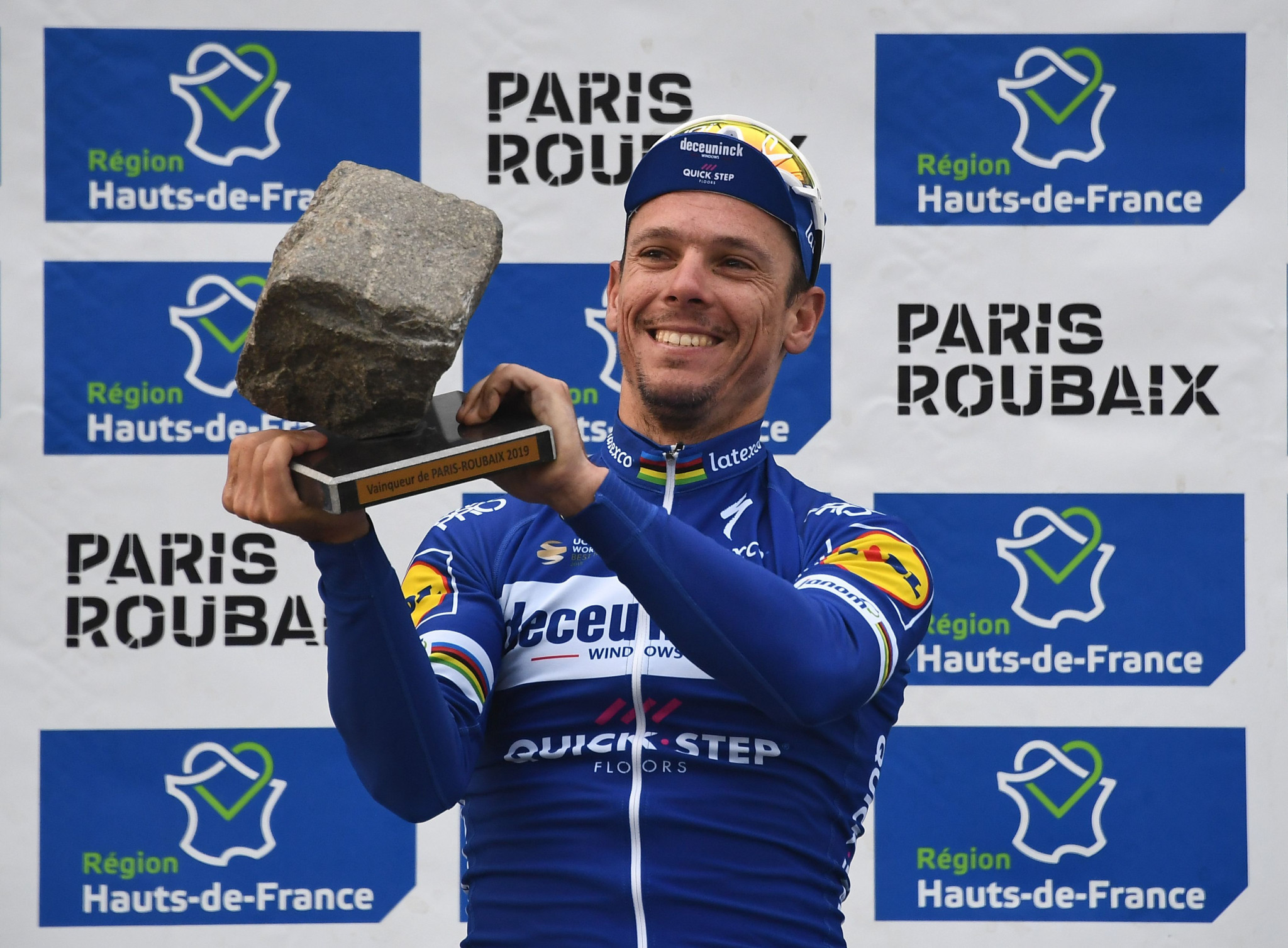 Gilbert looking to retain title among strong field at 2021 Paris-Roubaix race