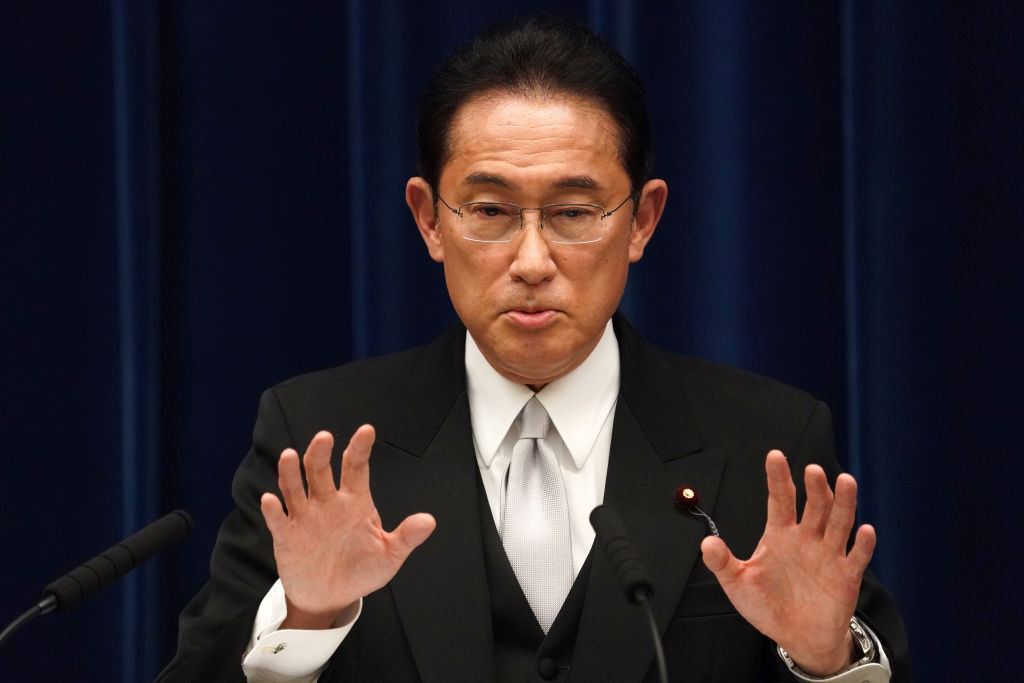 """COVID-19 measures the """"urgent and top priority"""" for Japan's new Prime Minister"""