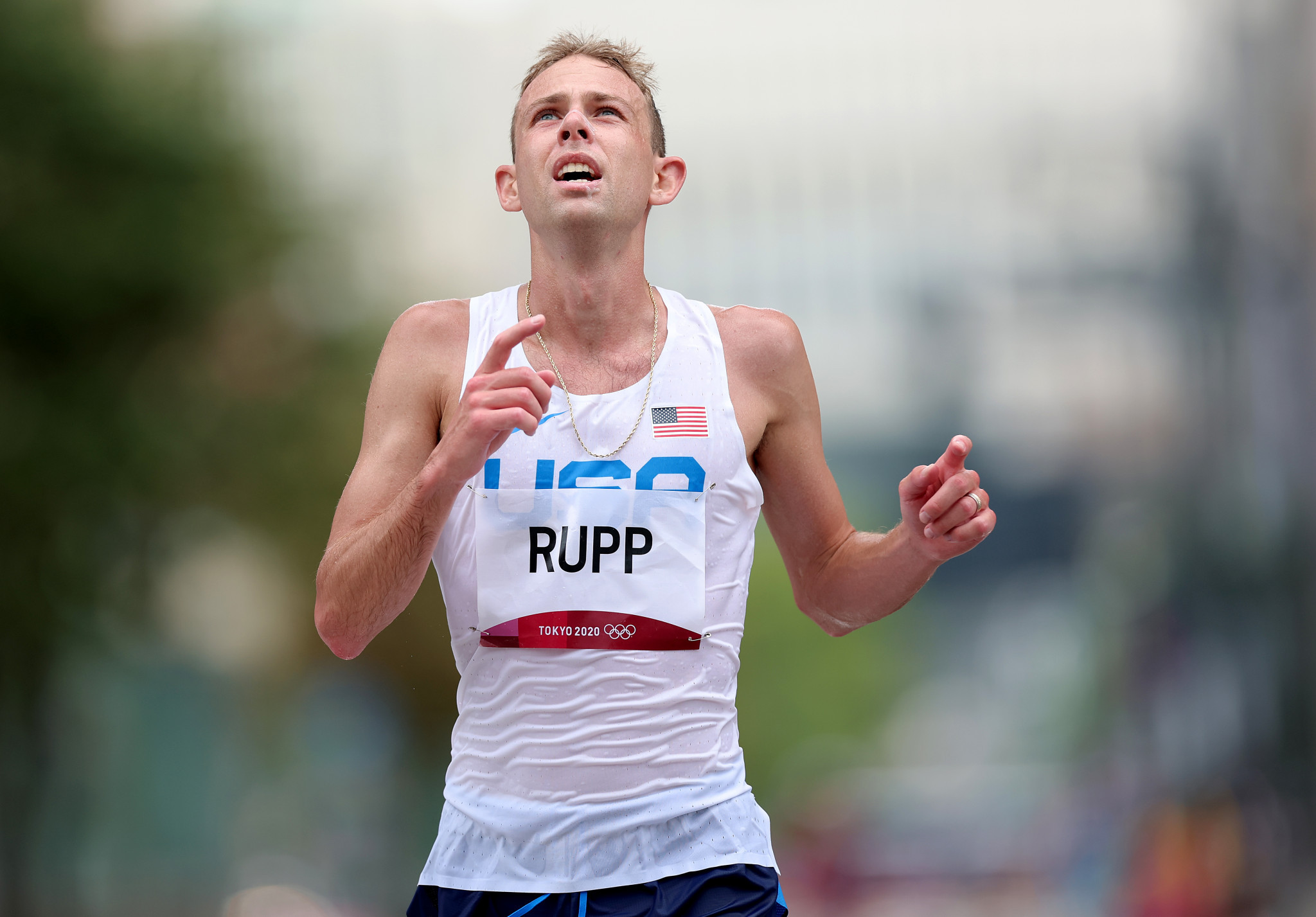 Rupp and Hall lead American hopes at Chicago Marathon as both gun for national records