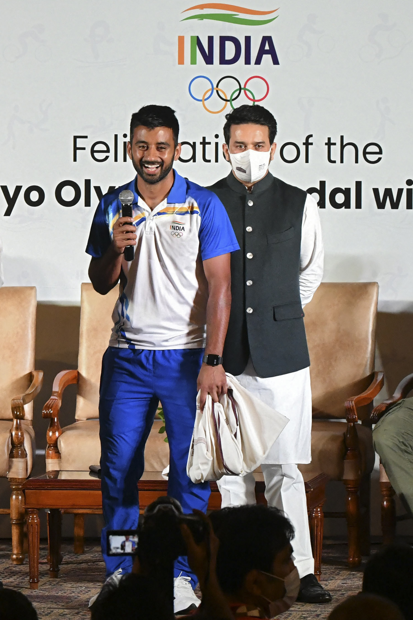 Indian Sports Minister Anurag Thakur, right, has criticised the decision to withdraw the country's hockey teams, including the men's Olympic bronze medal-winning squad captained by Manpreet Singh, from Birmingham 2022 ©Getty Images