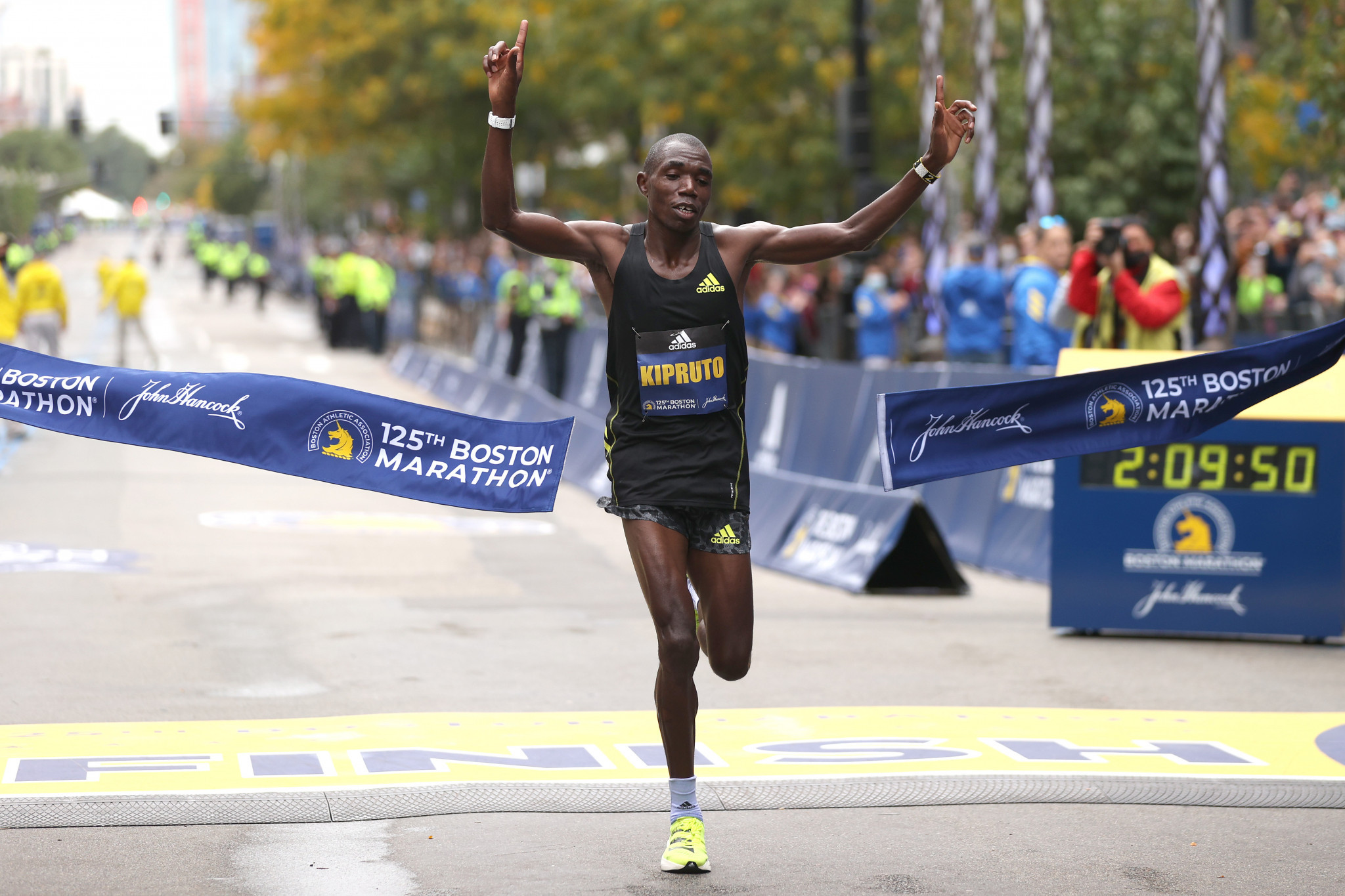Kenyans Kipruto and Kipyogei victorious at Boston Marathon