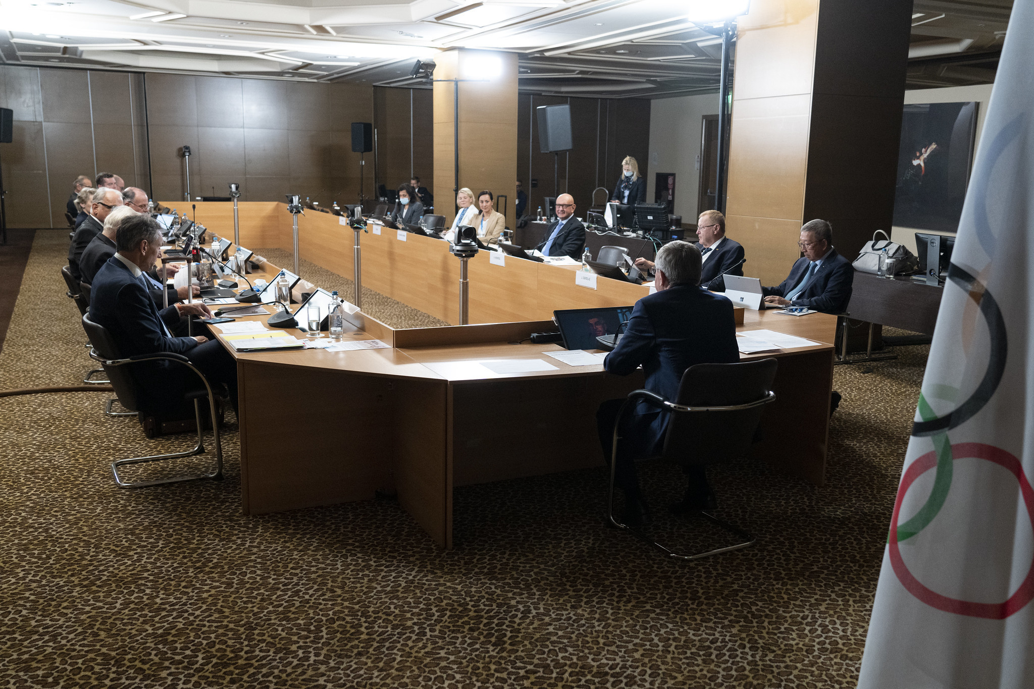 Bach and Executive Board back Olympism 365 plan