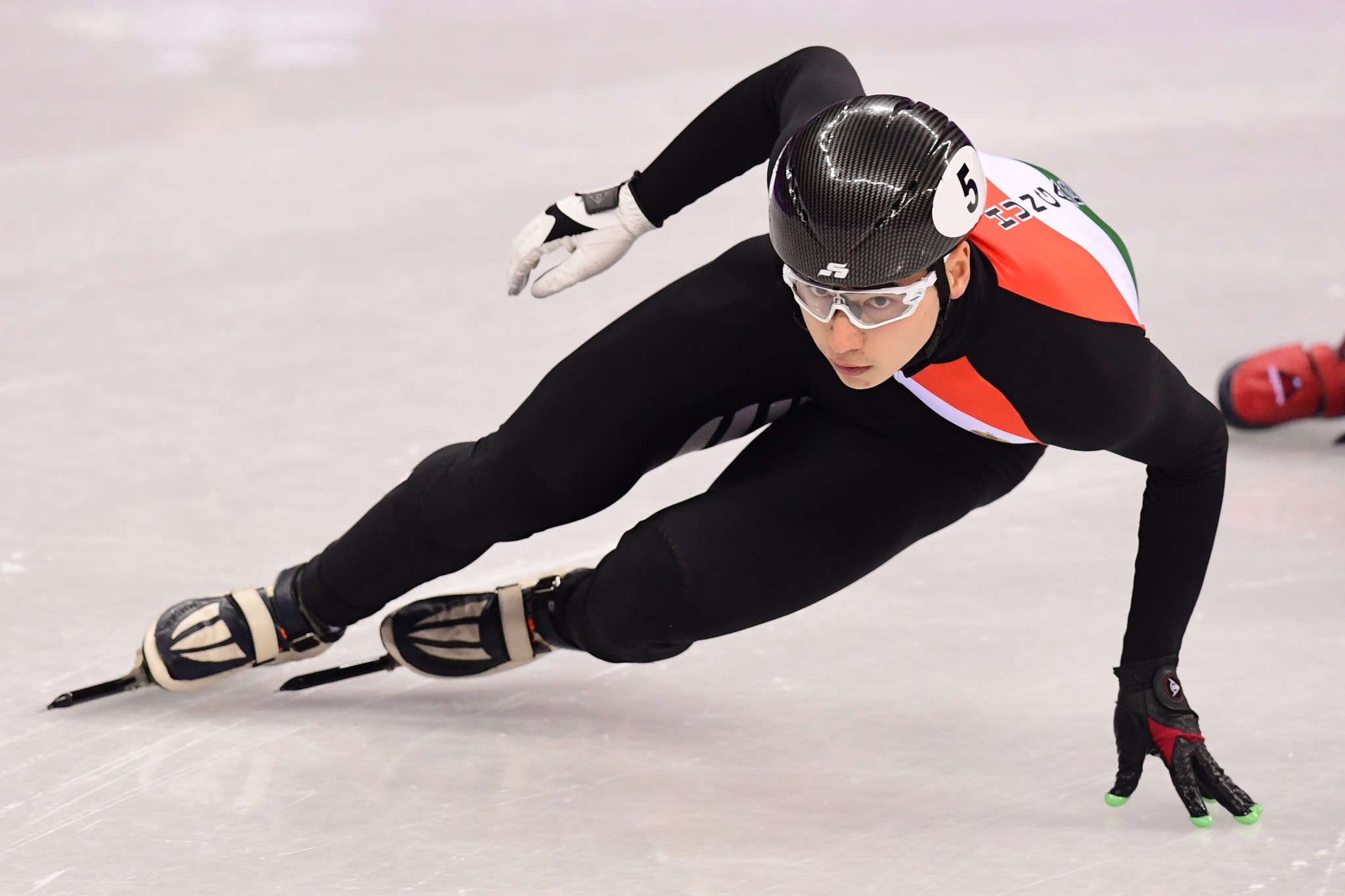South Korea and Hungary star in 1,000m races at Beijing Short Track World Cup
