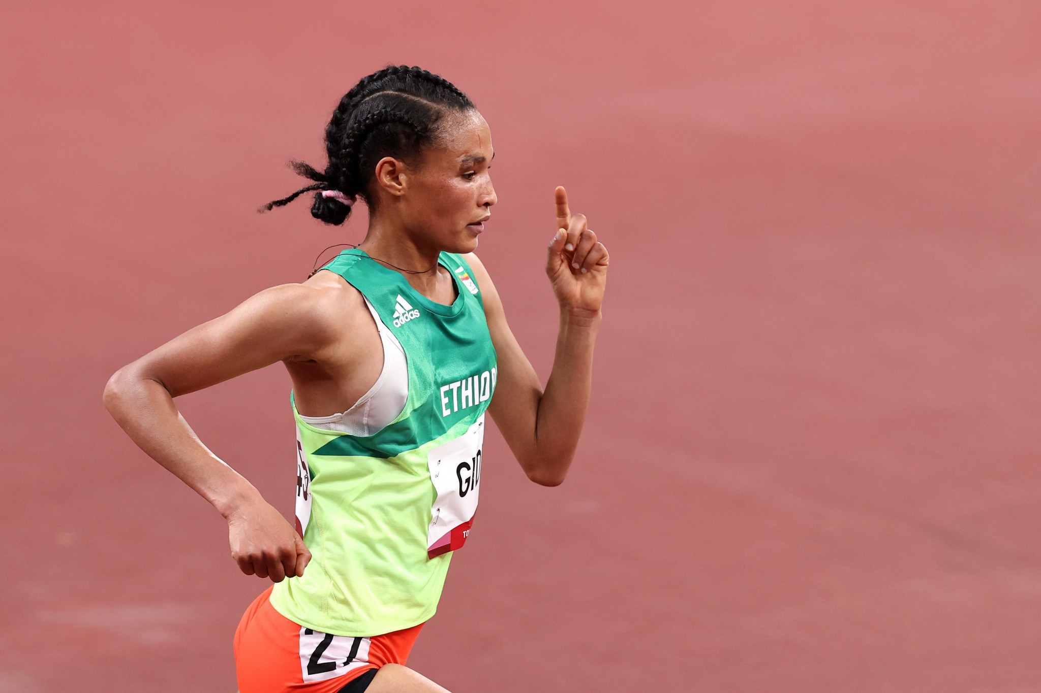Gidey smashes half marathon world record on distance debut in Valencia