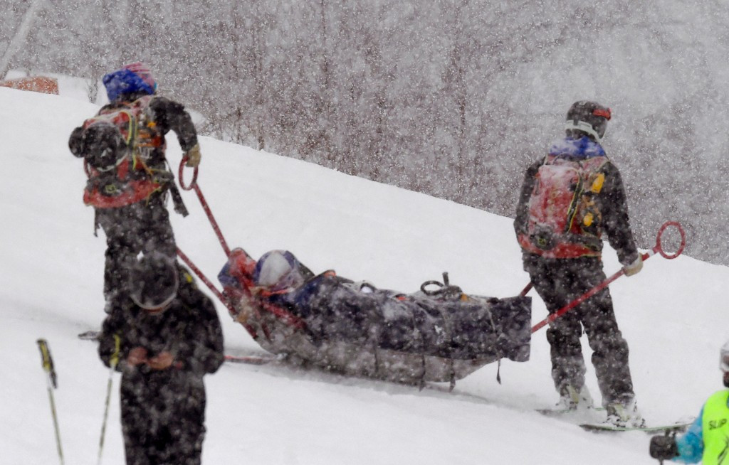 Vonn's World Cup hopes in doubt after crash in Andorra