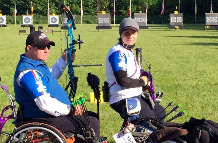 Sarti and Drahoninsky shoot world record scores at Para-archery event