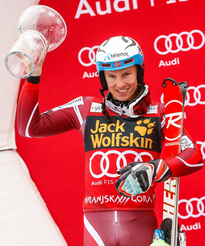 Kristoffersen and Hansdotter win FIS World Cup overall slalom titles