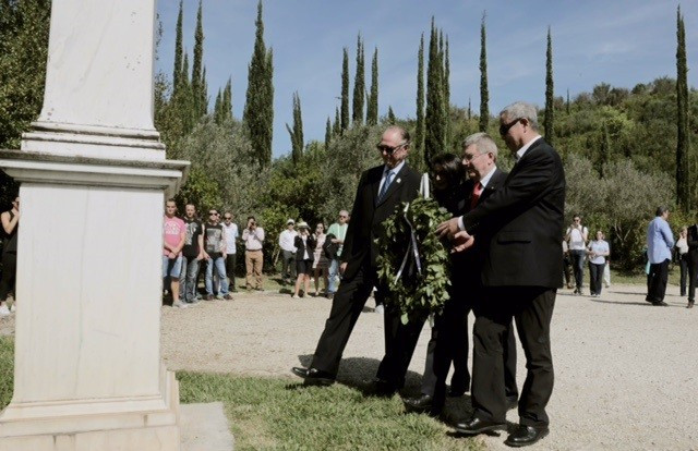 IOC and Rio 2016 Presidents lay wreath at Baron Pierre de Coubertin memorial on eve of Olympic flame lightning