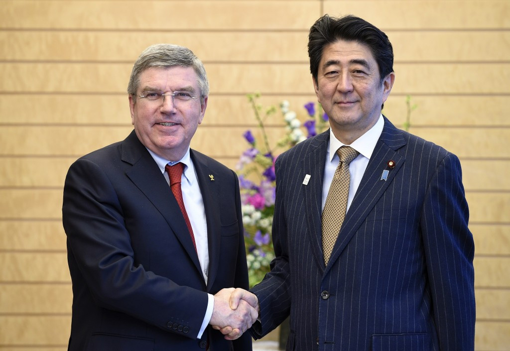 Shinzo Abe (right), pictured with IOC President Thomas Bach, has urged full support to be given to the French investigation ©Getty Images