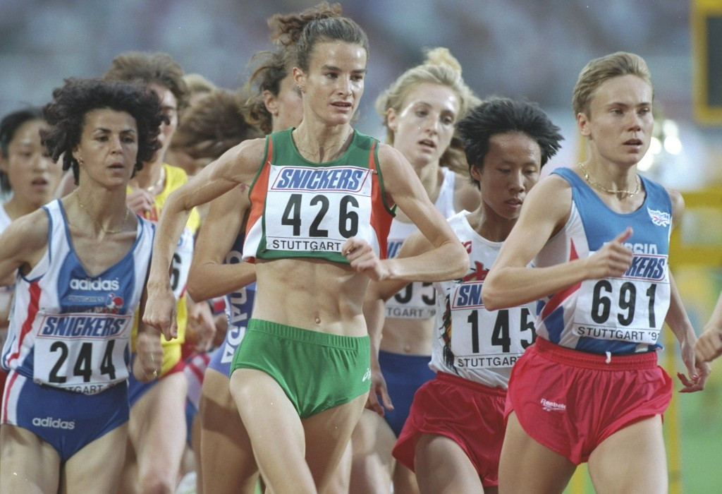 Sonia O'Sullivan competing over 3000m at the 1993 World Championships in Stuttgart ©Getty Images