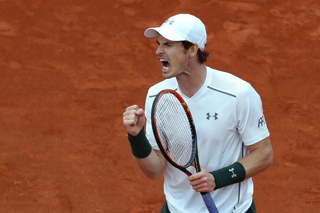 Murray taken the distance again as defending champion Wawrinka enjoys comfortable progress at French Open