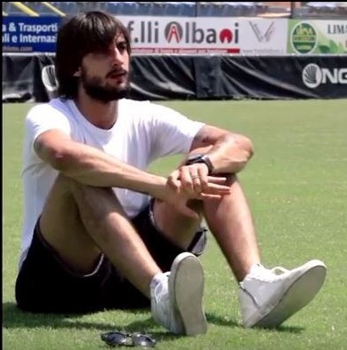 """Italian and Genoa goalkeeper Mattia Perin has told a group of schoolchildren that Rome 2024 is a """"great opportunity"""" ©Rome 2024"""