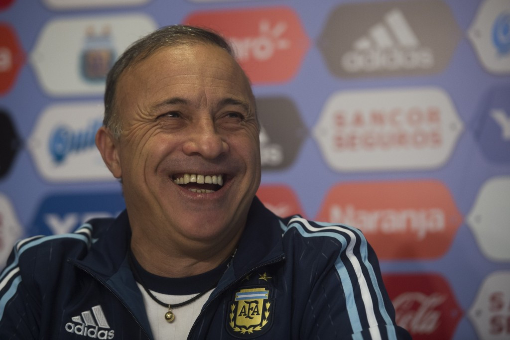 Newly-appointed Argentina head coach Julio Olarticoechea has vowed to lead the team at Rio 2016 even if they only have 13 or 14 players ©Getty Images