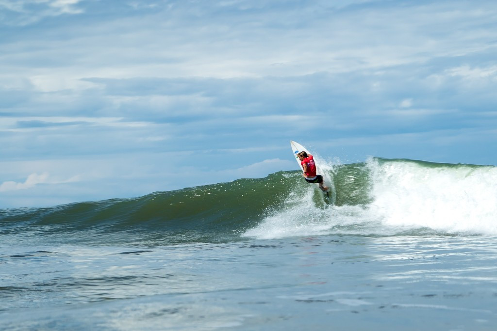 Portugal's Guilherme Fonseca won the fourth heat of the morning ©ISA