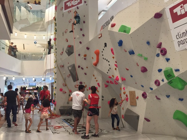 The 13-metre-tall wall in a shopping centre in Rio de Janeiro allows visitors to get their first taste of climbing which is due to make its Olympic programme at Tokyo 2020 ©IFSC