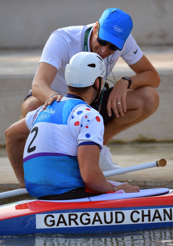 Denis Gargaud-Chanut is congratulated by Tony Estanguet after winning gold in Rio de Janeiro ©Getty Images