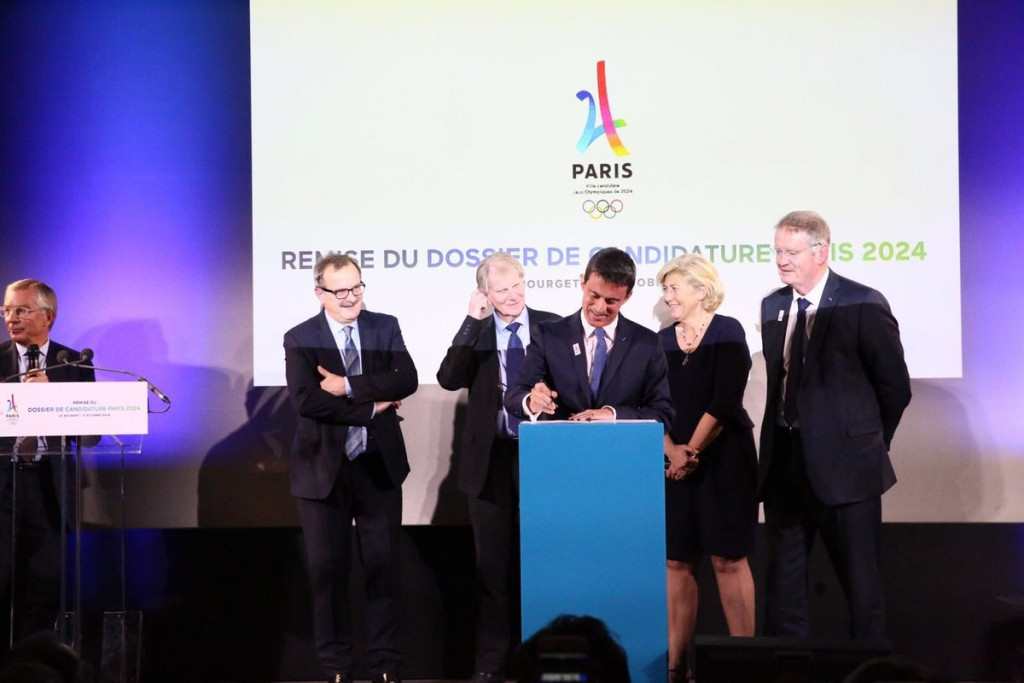 French Prime Minister Manuel Valls was present at an event where the latest submission was unveiled ©Paris 2024