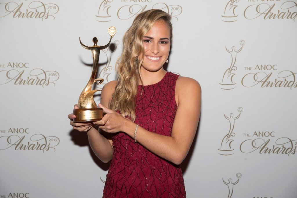 Tennis player Monica Puig received the best female athlete of Rio 2016 award ©ANOC