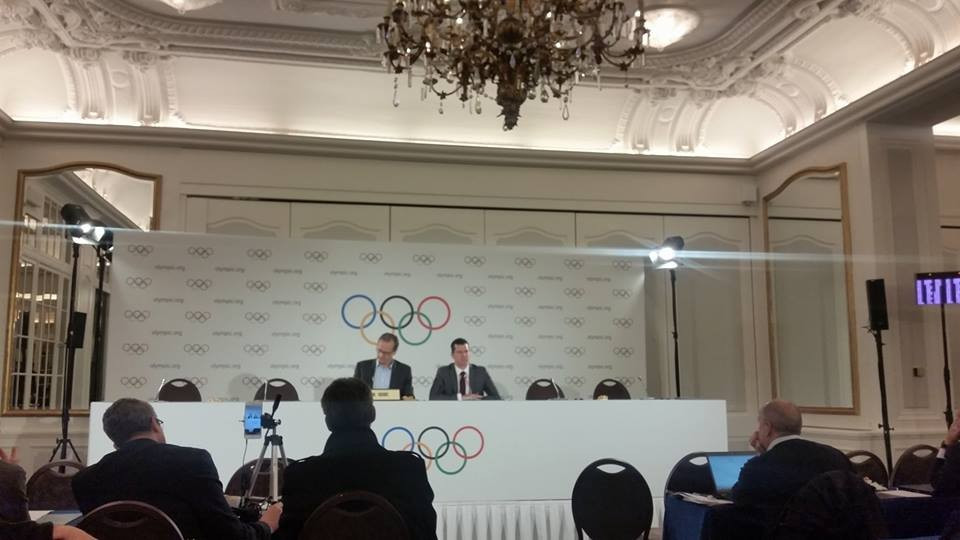 IOC sports director Kit McConnell (right) announced the two sports to have been recognised ©ITG
