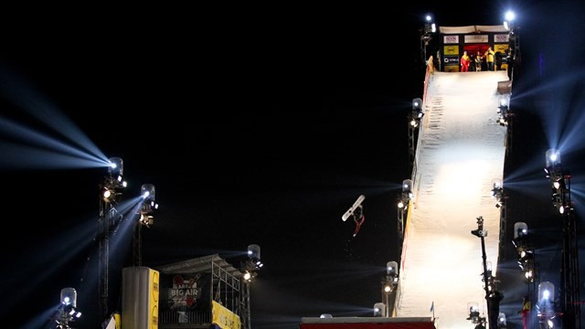 Gasser poised to claim big air title at FIS Snowboard Freestyle World Cup