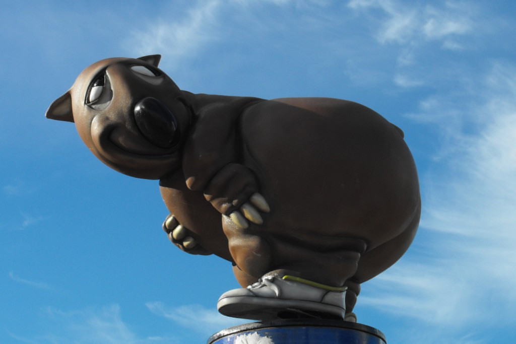 Fatso the Fat-Arsed Wombat - unofficial, and enduringly popular mascot of the Sydney 2000 Games ©Wikipedia