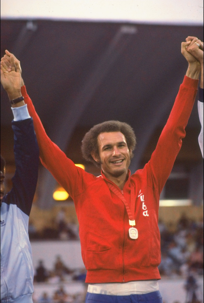 Alberto Juantorena claimed 800m gold at the 1977 Universiade ©Getty Images