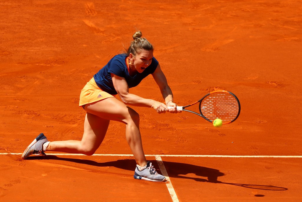 Simona Halep claimed a three set victory over Italy's Roberta Vinci ©Getty Images