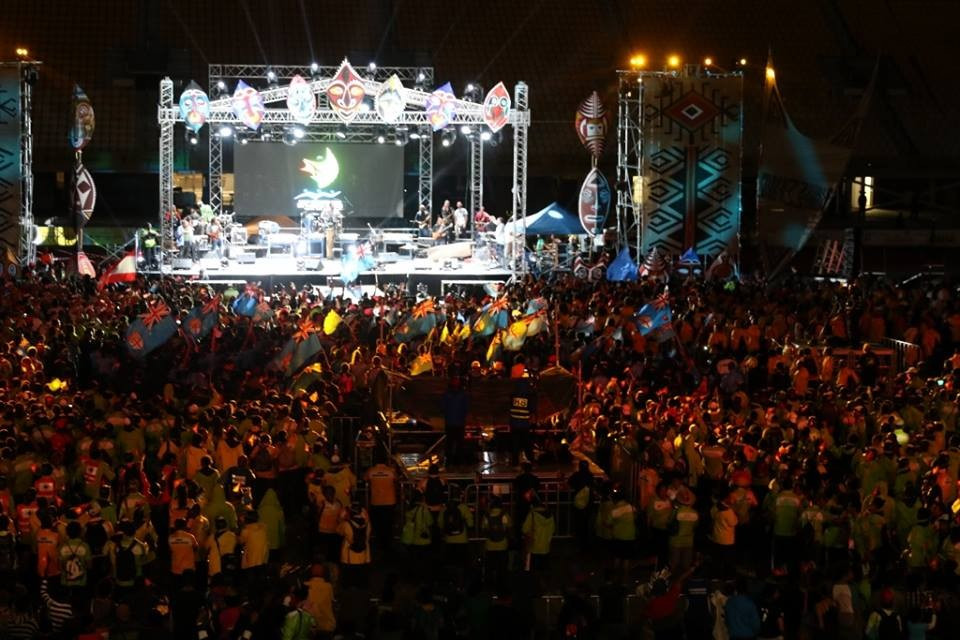 The crowd were treated to performances from several top local music stars as the Closing Ceremony drew to an end