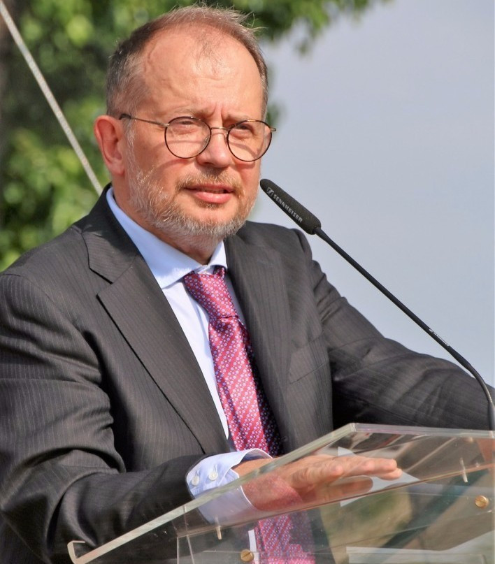 ESC President Vladimir Lisin has accused Luciano Rossi of using the EGA to launch a Presidential bid ©ESC