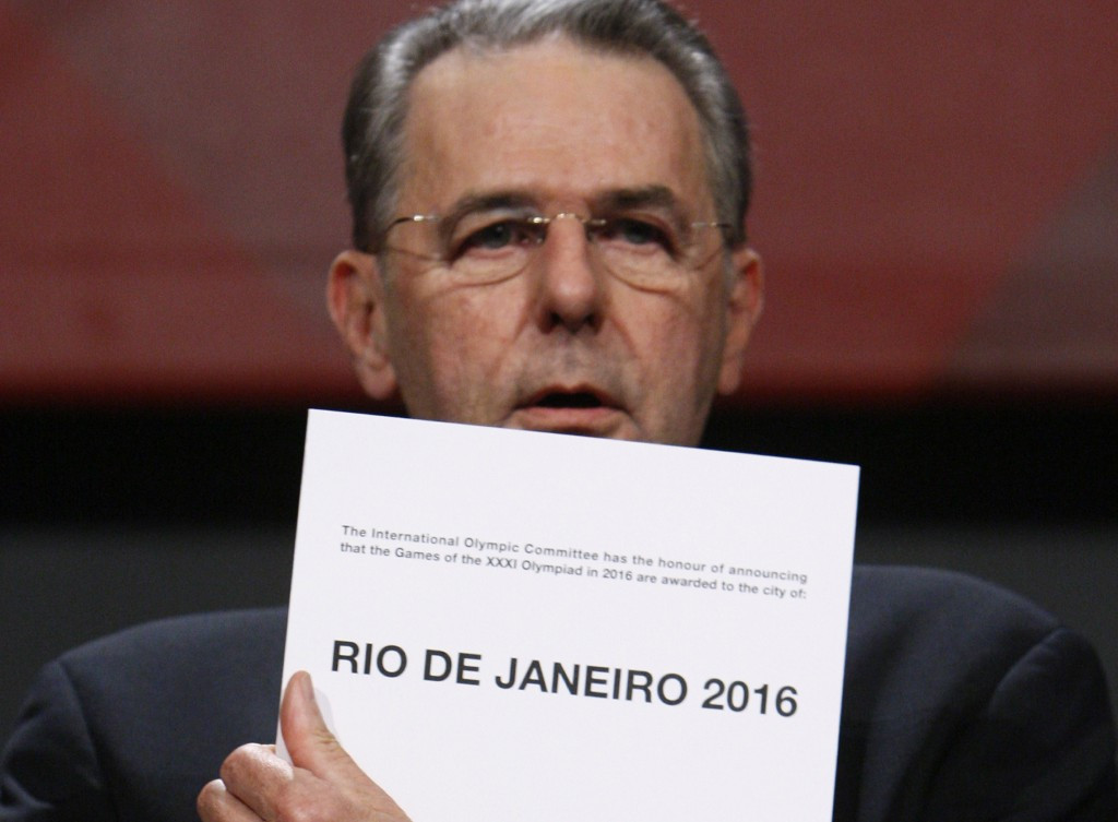 An investigation has been launched into alleged payments made to IOC member Frank Fredericks before Rio de Janeiro were awarded the 2016 Olympic and Paralympic Games in 2009 ©Getty Images