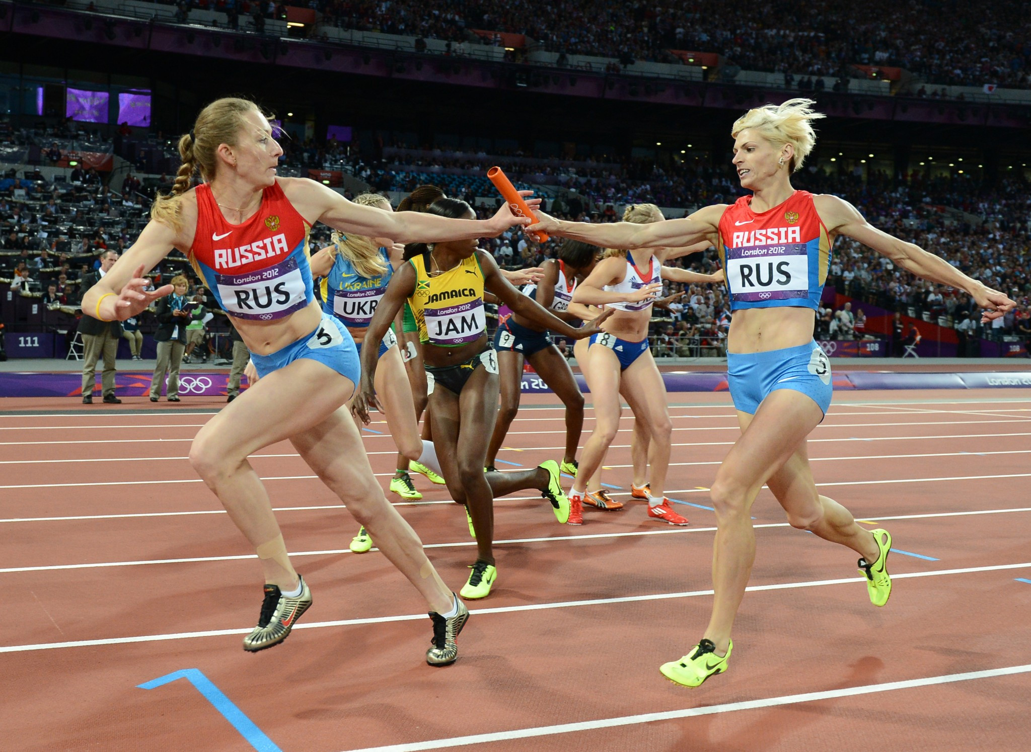 Tatyana Firova, left, has said she is not going to hand back the Olympic silver medals she won in the women's 4x400m relay at Beijing 2008 and London 2012 ©Getty Images