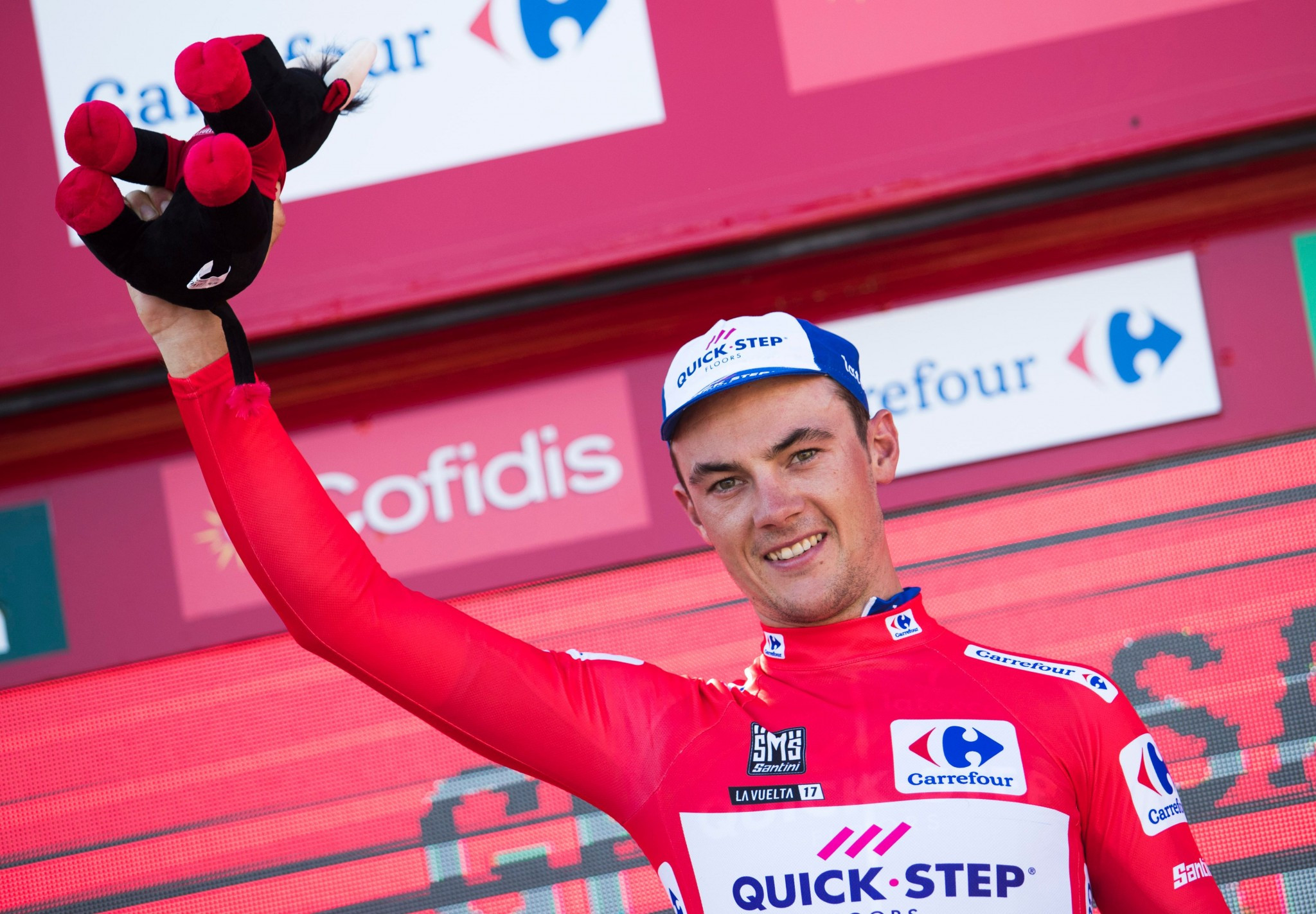 Lampaert makes well-timed attack to grasp hold of Vuelta red jersey