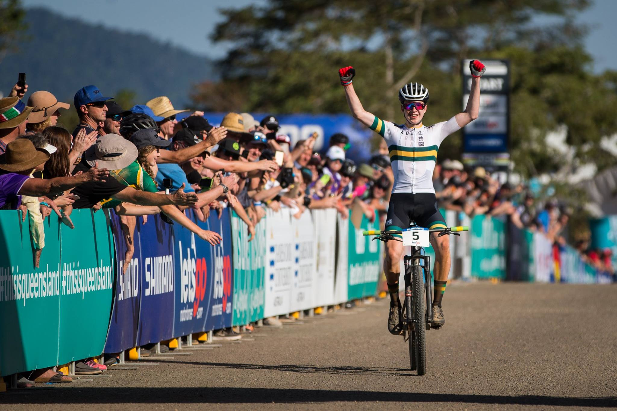 Home favourite wins men's junior title at UCI Mountain Bike World Championships