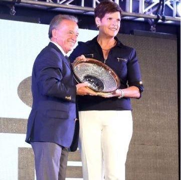 IOC member Hoevertsz awarded IFBB Spirit of Sport Award