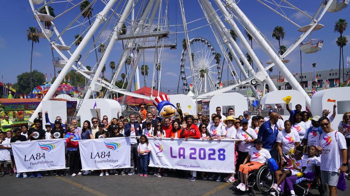 Los Angeles Mayor leads celebratory parade through Californian city