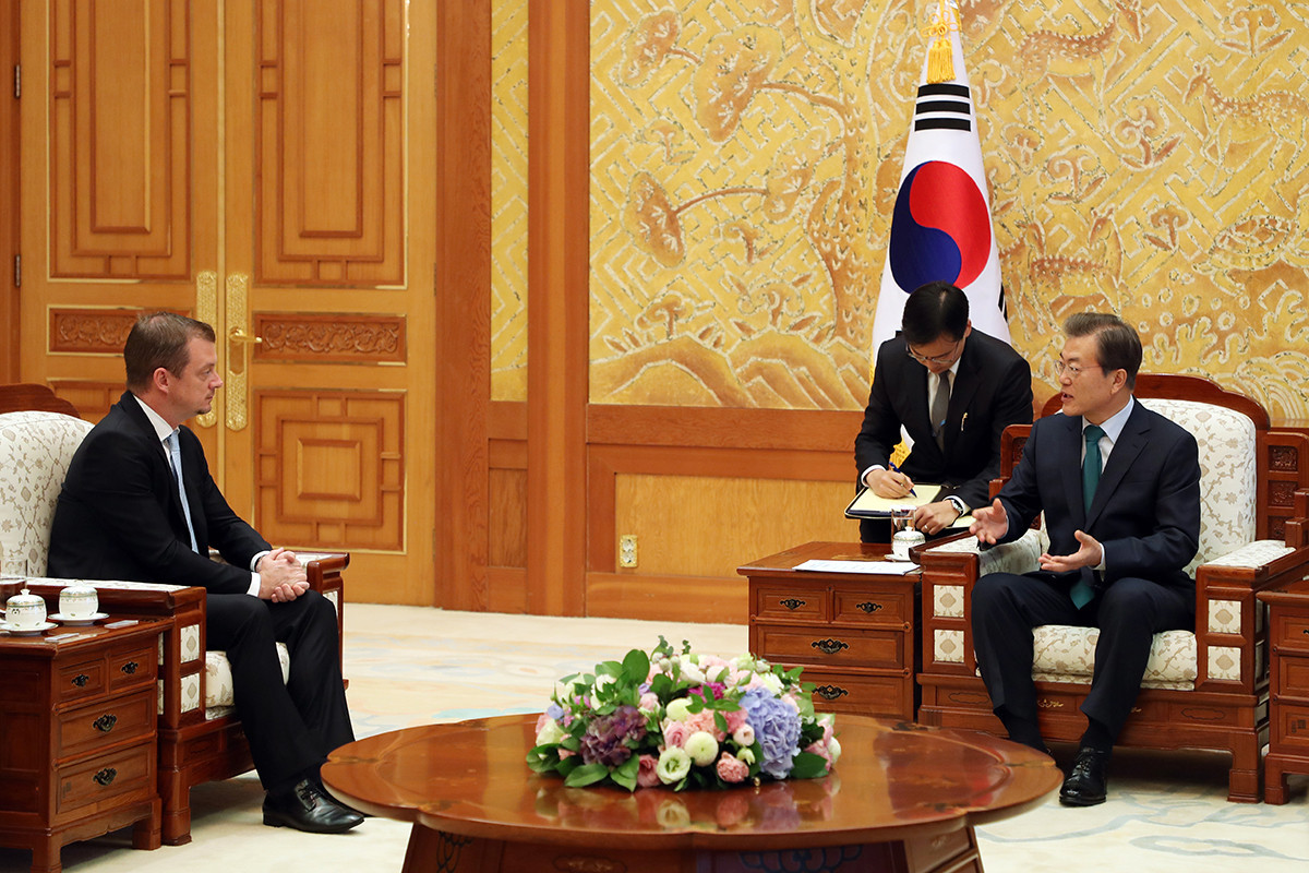 IPC head Andrew Parsons met with South Korean President Moon Jae-in during his visit to Pyeongchang ©Pyeongchang 2018