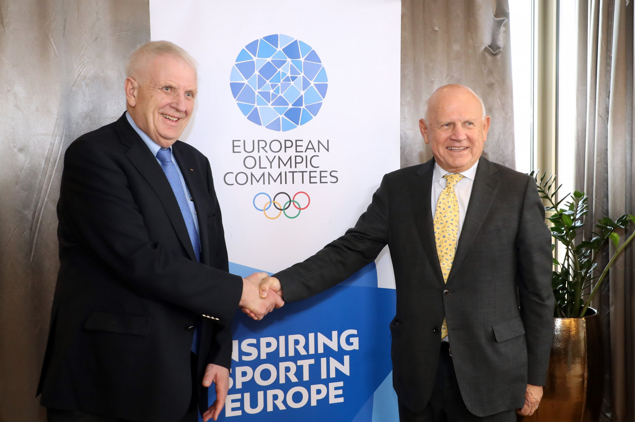 European Athletics President Svein Arne Hansen, left, with EOC counterpart Janez Kocijančič ©EOC
