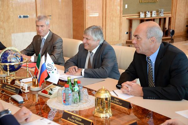 FISU secretary general Eric Saintrond, centre, alongside the body's President Oleg Matytsin, left ©FISU