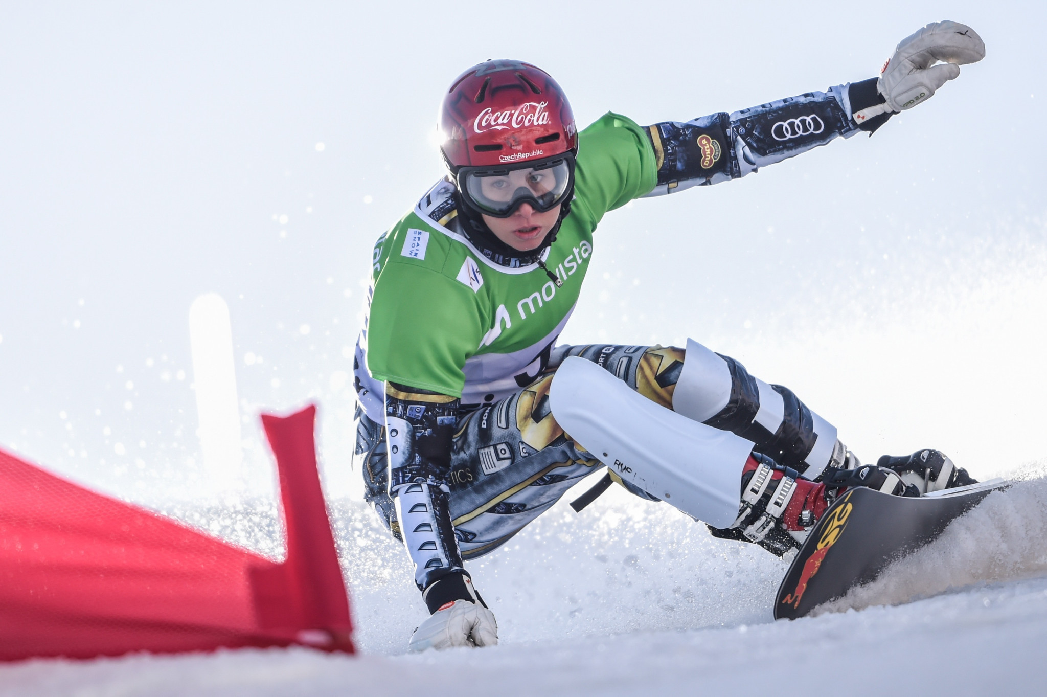 Ledecká and Fischnaller win season-opening Snowboard World Cup races in Cortina